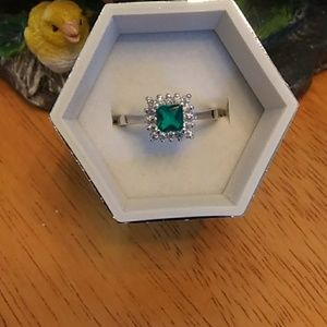 Emerald Colored Stone Sterling Silver Ring